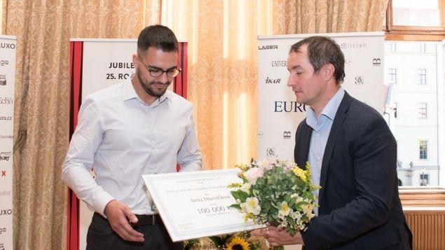 Vítězem 25. ročníku Literární ceny Knižního klubu je Čarostřelec
